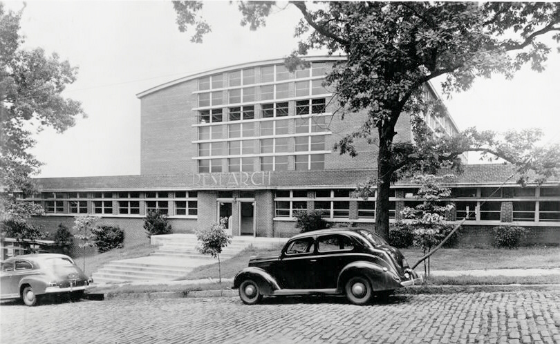 1950s, black and white photo of the exterior of the Hinman Research Building